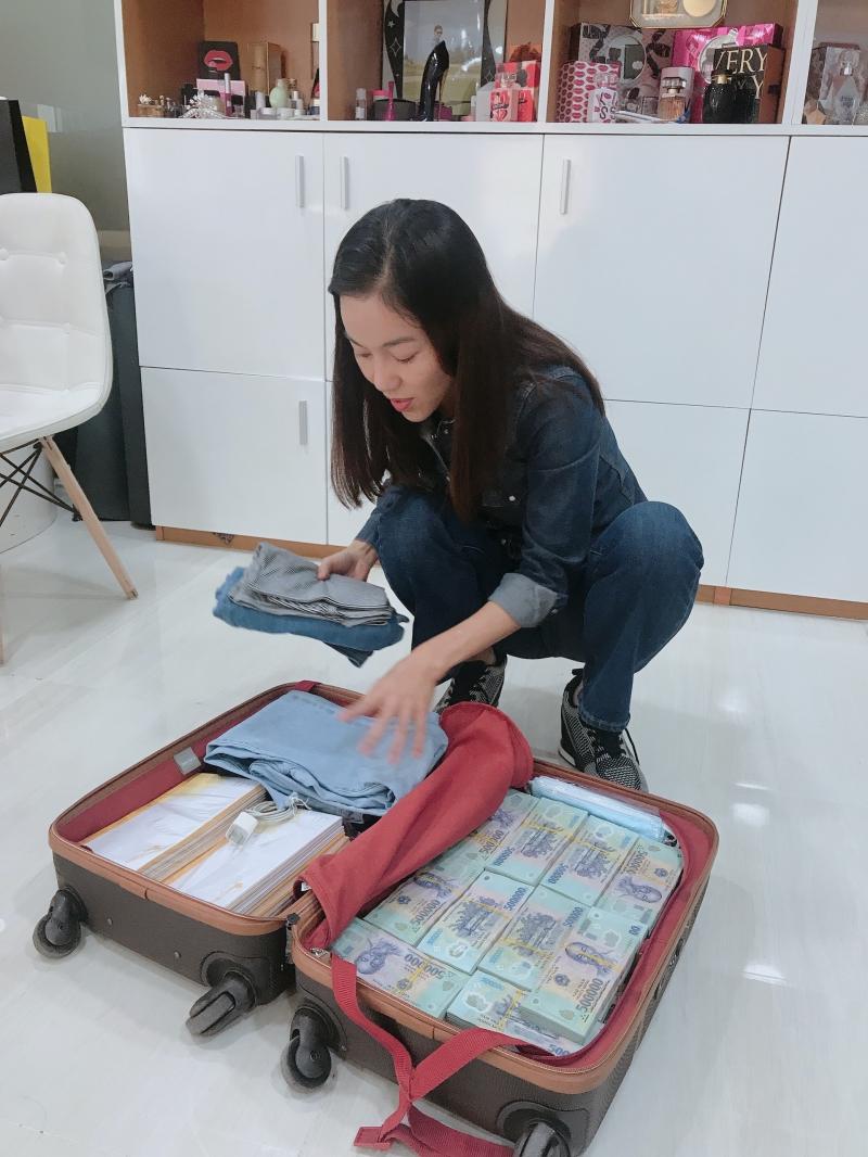 Số tiền còn lại sẽ tiếp tục được gửi đến những hộ gia đình chịu thiệt hại nặng nề tại các tỉnh miền Trung khác.