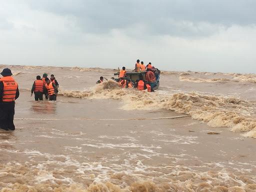Lũ lụt miền Trung vô cùng nguy hiểm