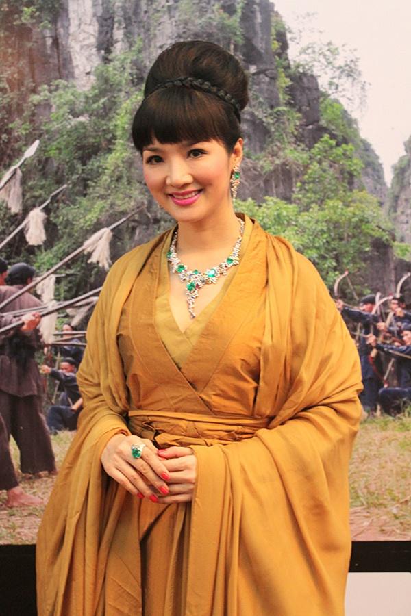 5 vị hoàng hậu xinh đẹp, quyền uy của màn ảnh Việt: Chưa lên sóng nhưng Thanh Hằng đã cân hết cả đội! 4