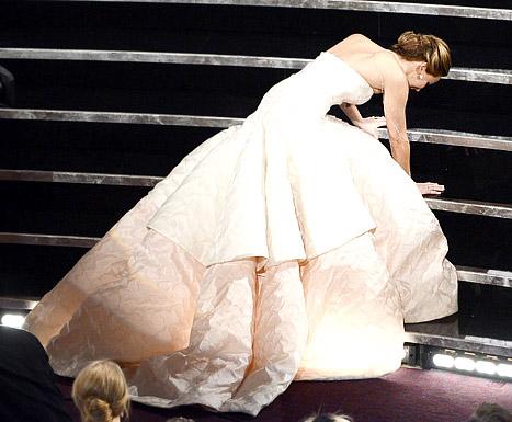7 năm sau cú 'vồ ếch' tại Oscar, Jennifer Lawrence vẫn xấu hổ, hé lộ từng bị sỉ nhục và tố 'làm màu' 0