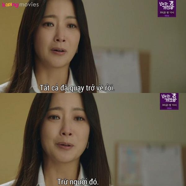 Yoon Tae Yi đau lòng khi biết mình đang ở một 'thực tại mơi', nơi không tồn tại người nào là cảnh sát Park Jin Gyeom.