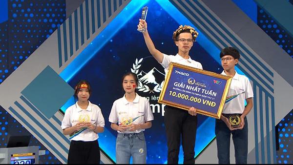 Đại diện Hà Nội là Quán quân cuộc thi tuần tháng thứ 2.