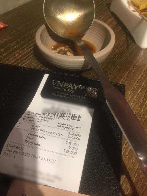 Nhà hàng Đà Nẵng phạt khách 200k vì thừa 2.9 lạng rau.