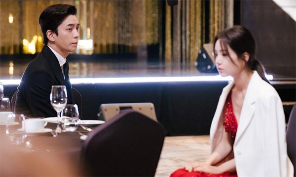 'Kairos' preview tập 1: Mở đầu Nam Gyu Ri và chồng Shin Sung Rok đã đối mặt với tình huống bất ngờ gây sốc 0