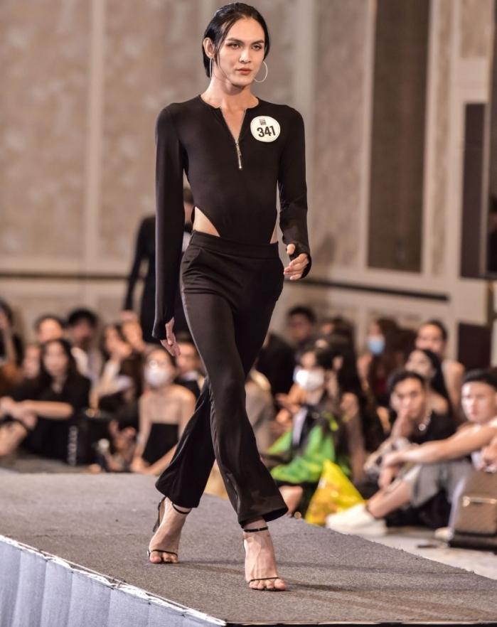 Người đẹp U40 catwalk 'chặt chém', dàn thí sinh LGBT mặc váy dạ hội 'khuấy động' buổi casting 3