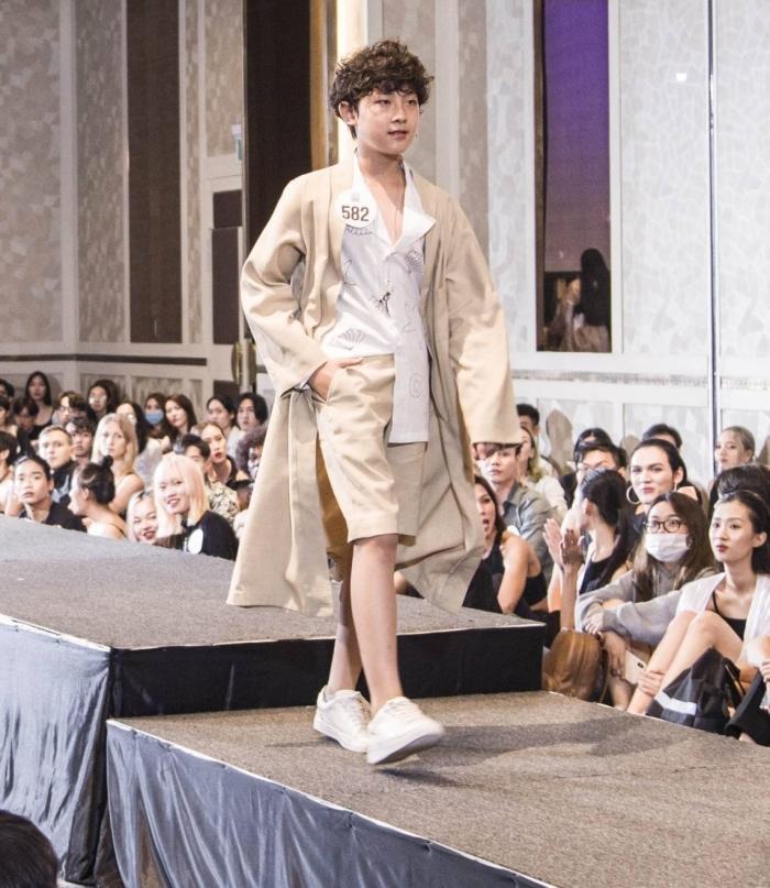 Người đẹp U40 catwalk 'chặt chém', dàn thí sinh LGBT mặc váy dạ hội 'khuấy động' buổi casting 6