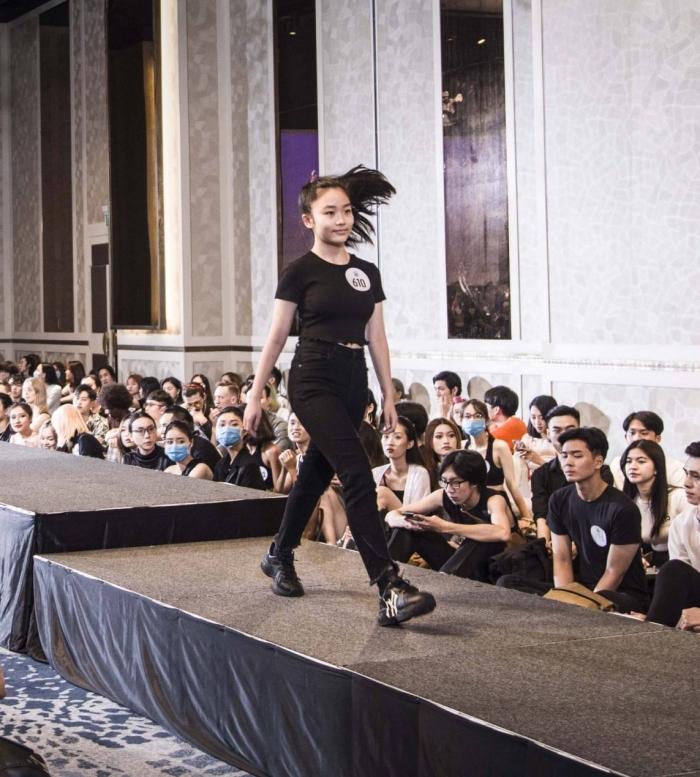 Người đẹp U40 catwalk 'chặt chém', dàn thí sinh LGBT mặc váy dạ hội 'khuấy động' buổi casting 7