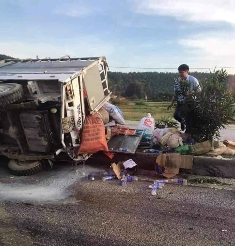 Hiện trường vụ tai nạn được người dân chụp lại.
