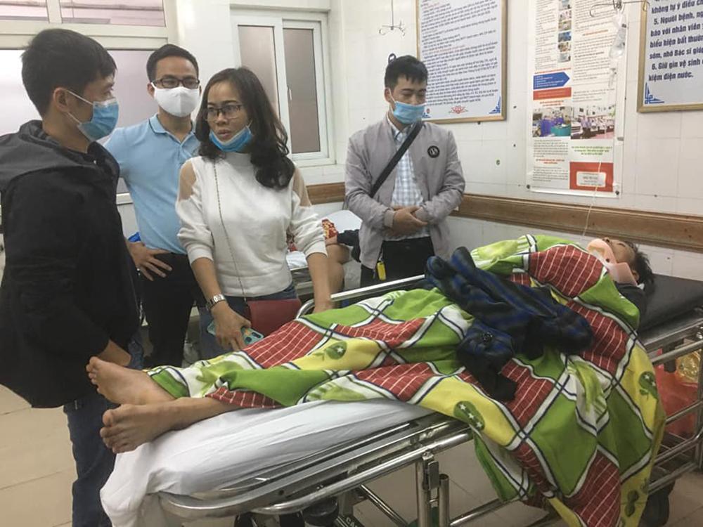 Tài xế chở hàng cứu trợ miền Trung gặp tai nạn lật xe đã bình phục kỳ diệu, sắp xuất viện trong thời gian tới 2