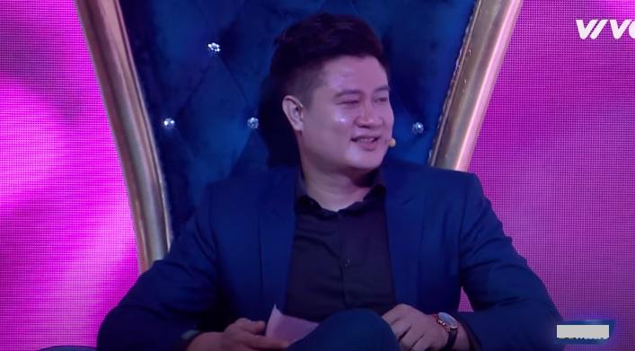 Chàng trai giải Vàng siêu mẫu Việt 'ế' 12 năm quỳ gối trước hotgirl boxing vẫn bị từ chối lời cầu hôn 1