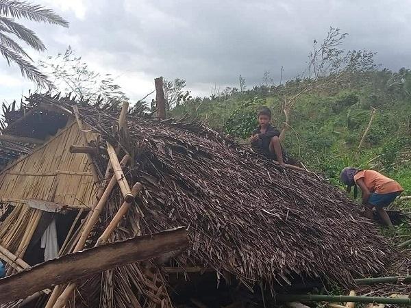 Nhiều khu vực tại Philipines bị Molave tàn phá nghiêm trọng.
