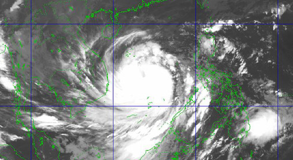 Hình ảnh bão chụp từ vệ tinh khiến nhiều người lo ngại.