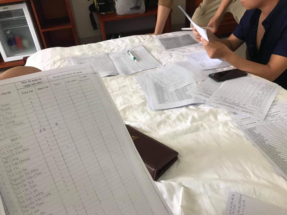 Ekip chia team để thực hiện kế hoạch viện trợ nhanh chóng.
