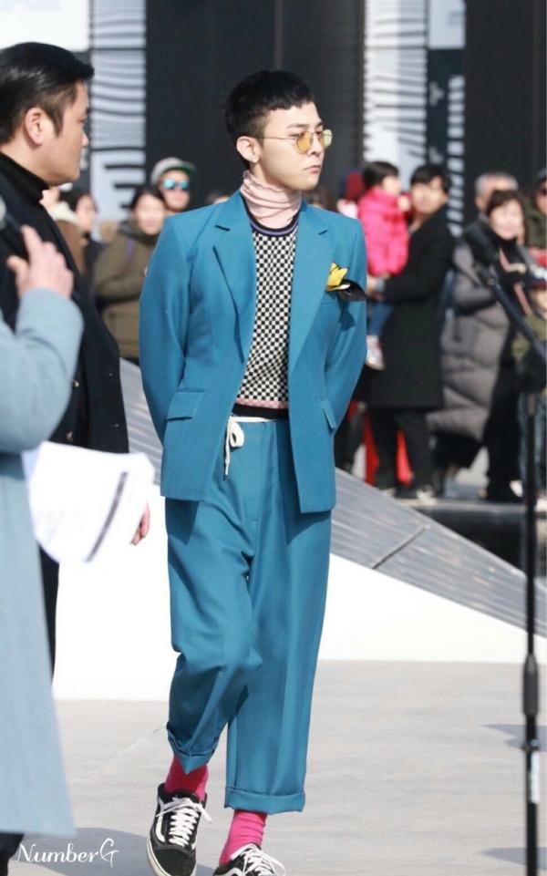 Chỉ có thể là G-Dragon: Mặc đồ nữ còn đẹp hơn cả mẫu gốc 0
