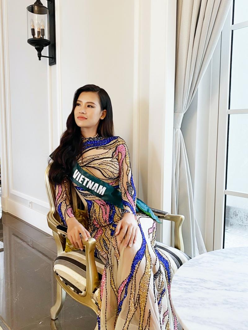 Váy xuyên thấu 'gây bão' của Thái Thị Hoa lọt top trang phục dạ hội đẹp nhất Miss Earth 2020 3