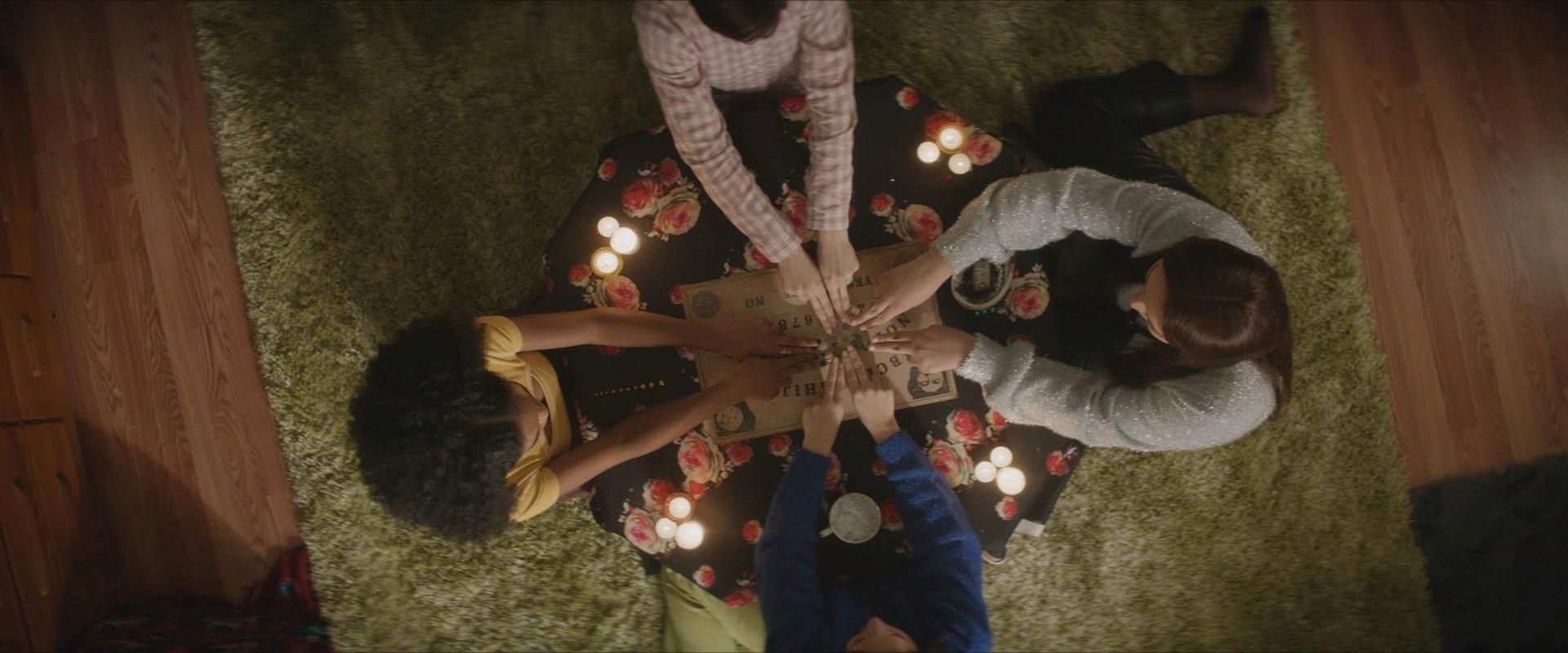 Ám ảnh với những nghi lễ phù thủy trên màn ảnh rộng 6