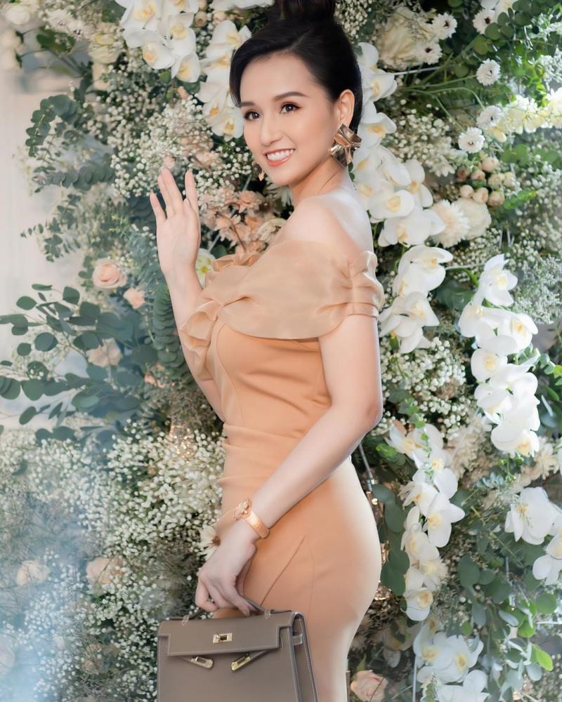Hợp đồng độc quyền của Lã Thanh Huyền với nhãn hàng có giá trị 1.1 tỷ đồng và đã được thanh toán 809 triệu đồng.