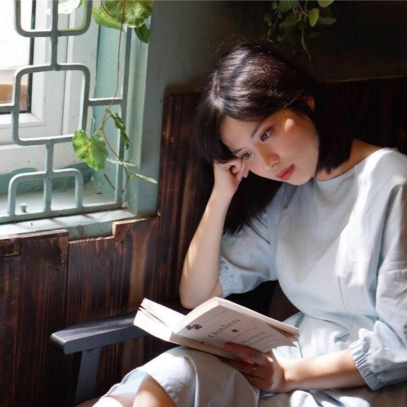 Không chỉ có nhan sắc rạng rỡ, xinh đẹp, Hồng Nhung còn khiến nhiều người ngưỡng mộ bởi thành tích học tập 'siêu khủng'