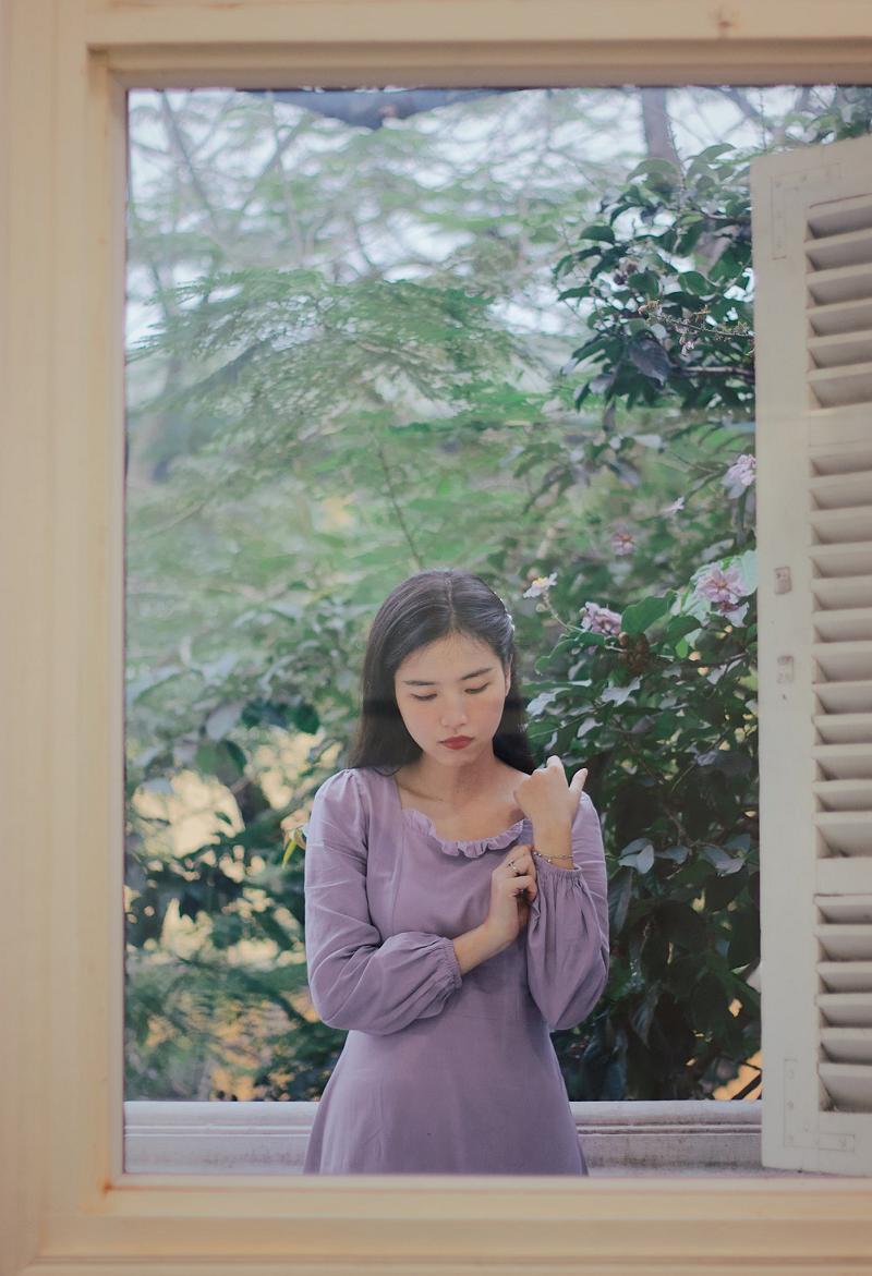Sự trẻ trung, dịu dàng của Hồng Nhung khiến cô được nhiều người yêu mến