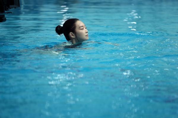 TheoLee Young, các chiêu trò khủng bố tinh thần củaSu Jinđã làm cô hoang mang, dẫn đến sa sút phong độ thi đấu.