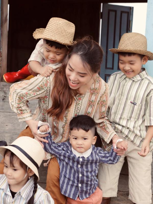 Thành Đạt - Hải Băng tung bộ ảnh gia đình nông dân siêu đáng yêu 1