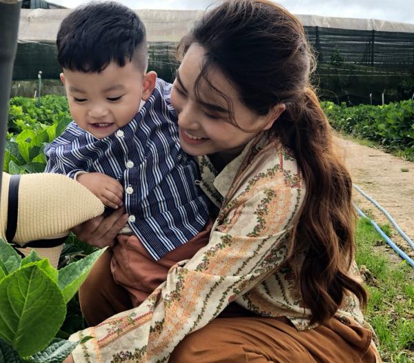 Thành Đạt - Hải Băng tung bộ ảnh gia đình nông dân siêu đáng yêu 5