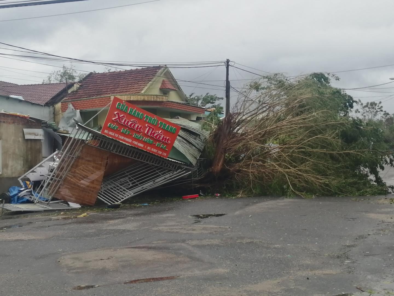 Thống kê những thiệt hại ban đầu tại Đà Nẵng, Quảng Ngãi, Phú Yên khi siêu bão số 9 càn quét mạnh nhất 6