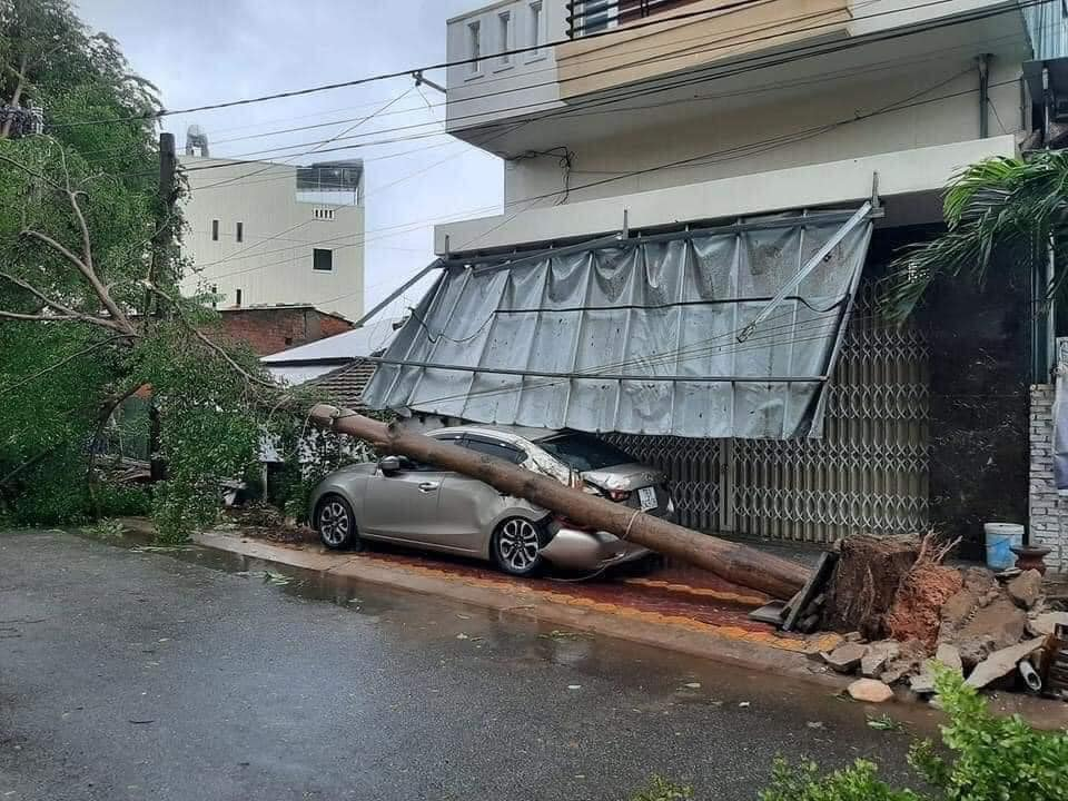 Thống kê những thiệt hại ban đầu tại Đà Nẵng, Quảng Ngãi, Phú Yên khi siêu bão số 9 càn quét mạnh nhất 9