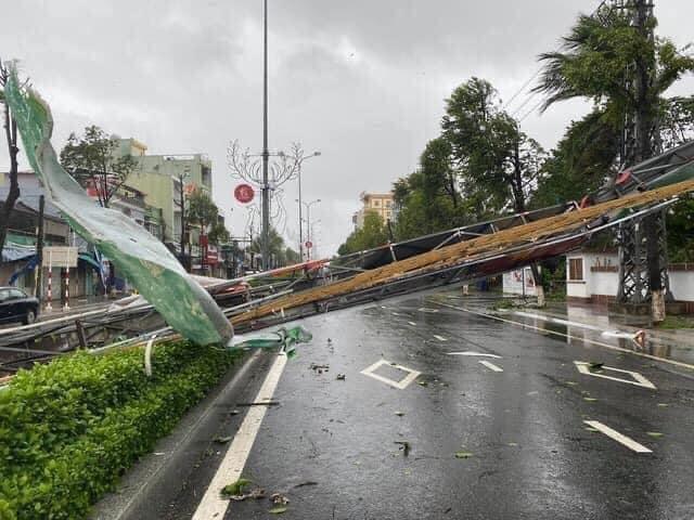 Thống kê những thiệt hại ban đầu tại Đà Nẵng, Quảng Ngãi, Phú Yên khi siêu bão số 9 càn quét mạnh nhất 10
