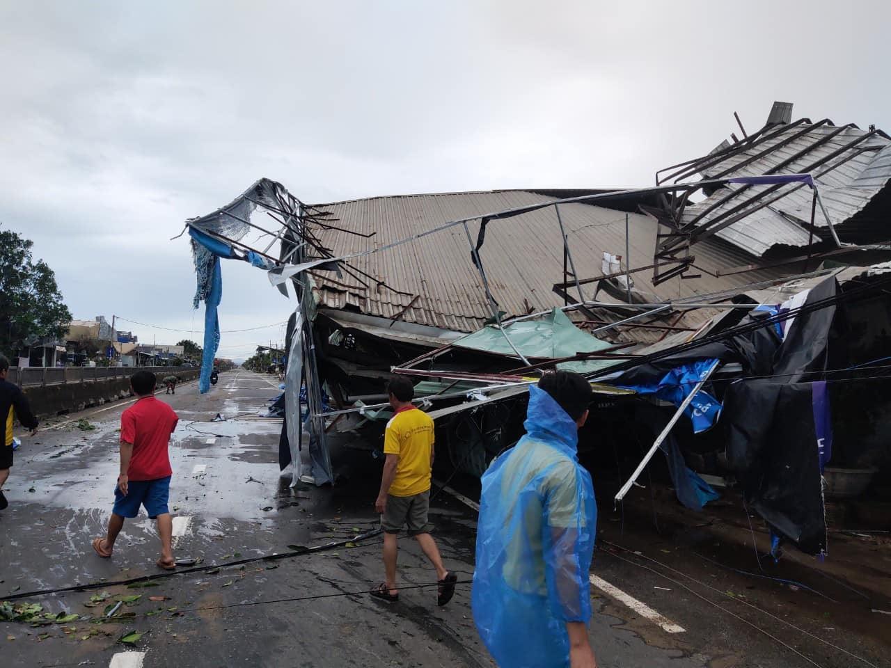 Thống kê những thiệt hại ban đầu tại Đà Nẵng, Quảng Ngãi, Phú Yên khi siêu bão số 9 càn quét mạnh nhất 13