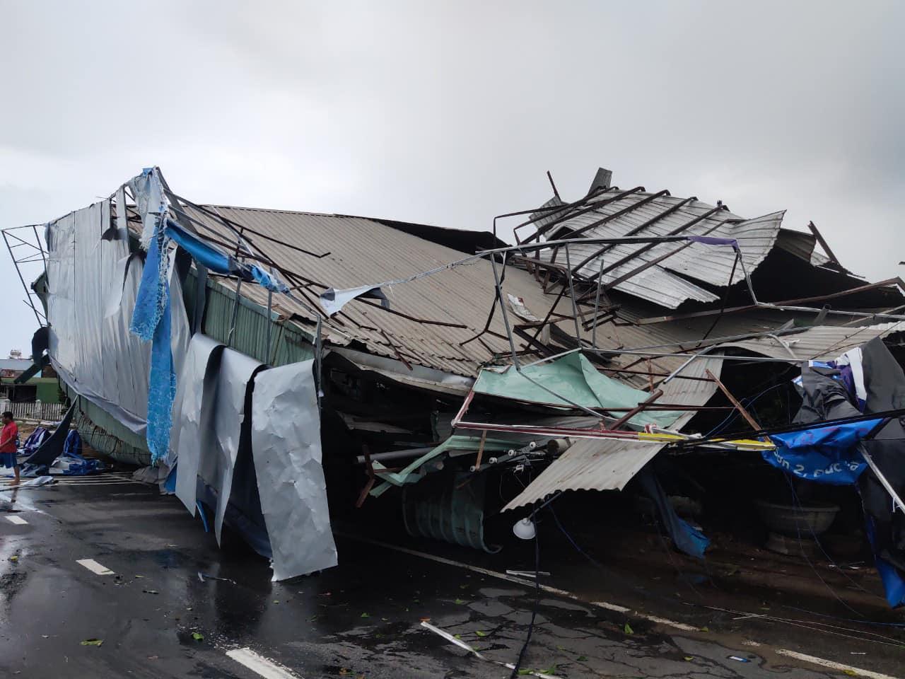 Thống kê những thiệt hại ban đầu tại Đà Nẵng, Quảng Ngãi, Phú Yên khi siêu bão số 9 càn quét mạnh nhất 14