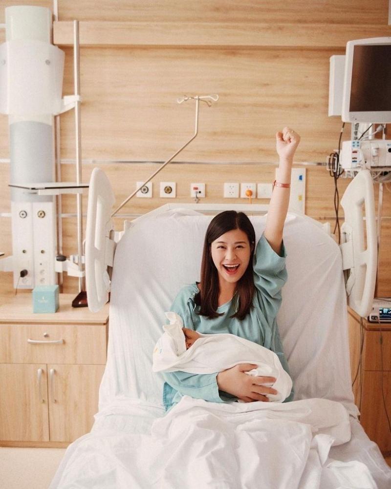 Đẳng cấp nhan sắc của sao Việt: Trong phòng sinh vẫn rạng ngời khí chất 1