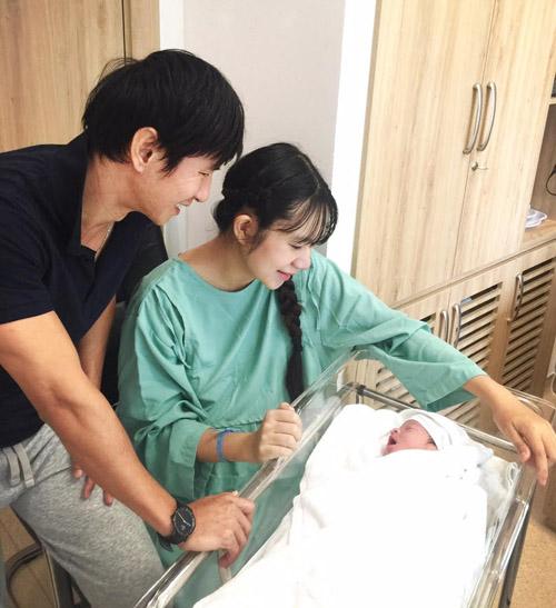 Đẳng cấp nhan sắc của sao Việt: Trong phòng sinh vẫn rạng ngời khí chất 15