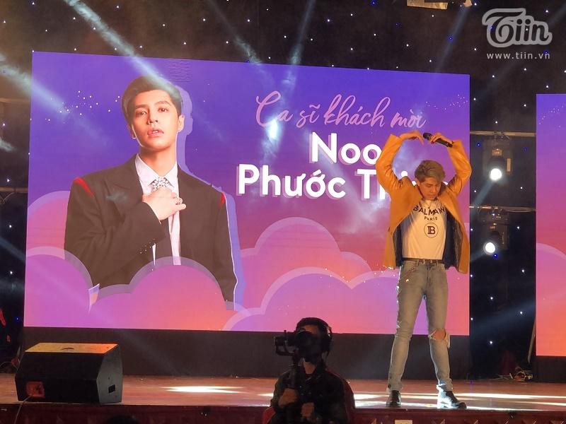Những biểu cảm đáng yêu của Noo Phước Thinh khiến sinh viên trường Báo 'tan chảy'