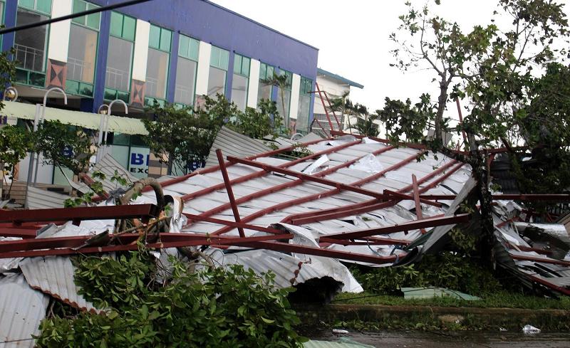 Bão số 9 đi qua, hàng loạt trường học ở miền Trung tốc mái, hư hỏng nặng 1