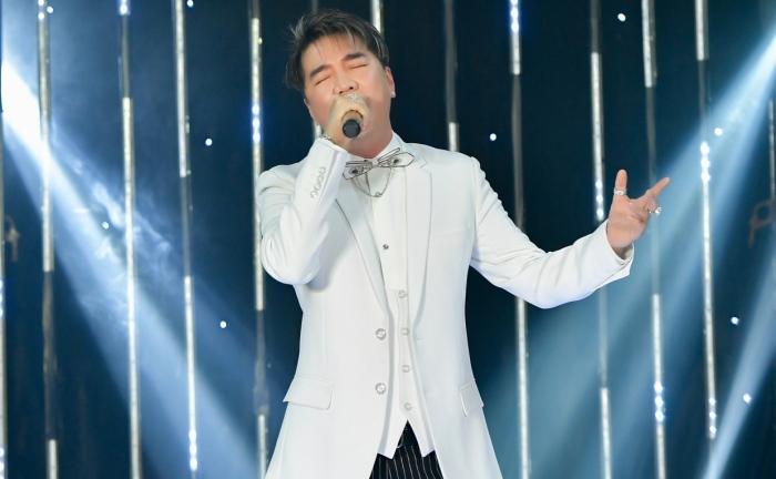 Đàm Vĩnh Hưng hát gây quỹ từ thiện, thẳng thắn đáp trả antifan chuyện ủng hộ miền Trung 0