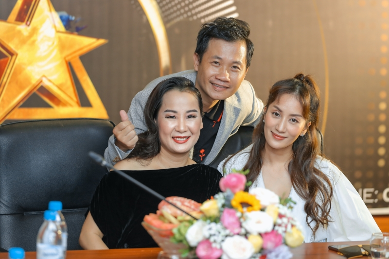 Lần đầu ngồi 'ghế nóng' trong gameshow đi tìm tài năng DJ, 'nữ hoàng dancesport' Khánh Thi nói gì? 0