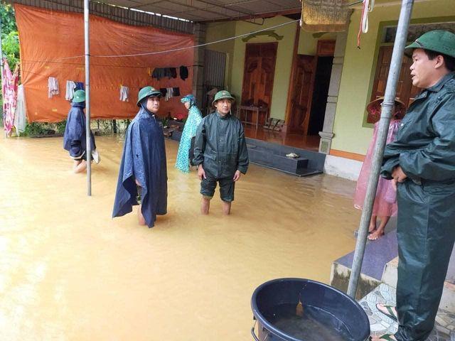 Nước lũ ở Nghệ An chưa rút, nhiều nơi ngập sâu trong nước 16