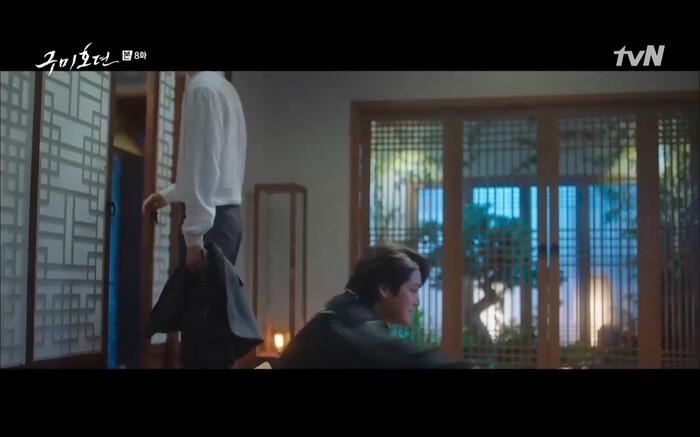 'Bạn trai tôi là hồ ly' tập 8: Bỏ mặc người tình, Lee Dong Wook xả thân cứu em trai Kim Bum trước? 19