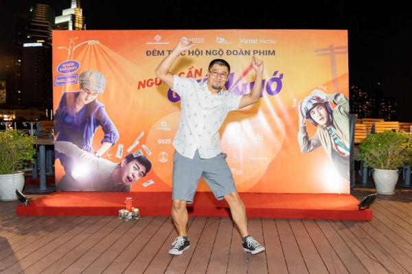Đạo diễn Charlie Nguyễn cho biết, anh bật khóc trong vui sướng khi xem bản dựng cuối cùng của Người cần quên phải nhớ
