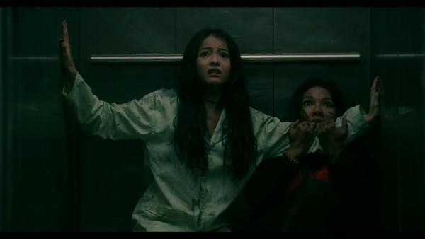 Trần Bảo Sơn, Kiều Trinh, Yu Dương cùng dàn nghệ sĩ trẻ gây chú ý tại buổi ra mắt phim kinh dị 'Thang Máy' 10