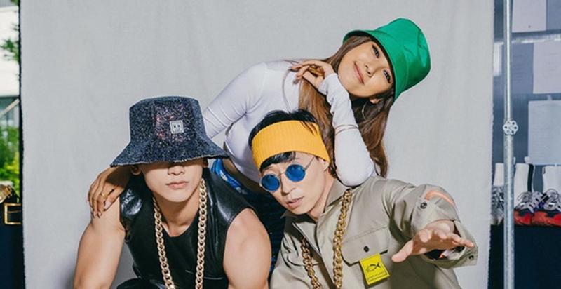 Năm 2020, Bi Rain có màn trở lại với nhóm nhạc dự án SSAK3. Tuy nhiên, SSAK3 từng bị 'ném đá' vì tạo sự bất công trên BXH âm nhạc, chỉ vì cứ ra nhạc là thành hit.