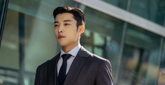 Woo Do Hwan nhận được rất nhiều sự chú ý sau Quân vương bất diệt