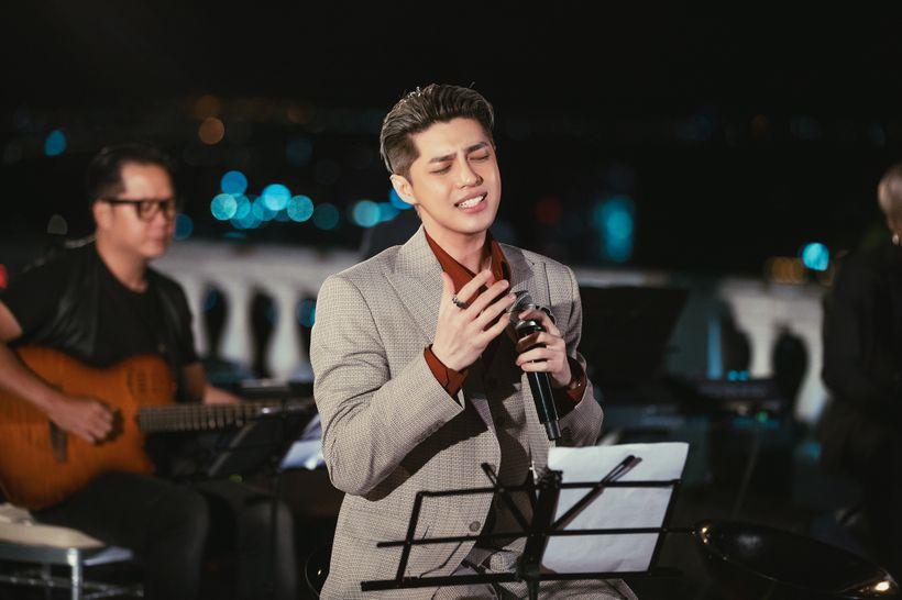 Noo Phước Thịnh 'khiến fan buồn'vì bị giọng bè lấn át, đồng loạt kêu gọi 'nên hát một mình' 4