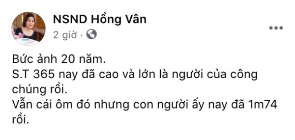 NSND Hồng Vân chia sẻ ảnh ST Sơn Thạch sau 20 năm, mới ngày nào còn ôm gọn bây giờ đã cao 1m74 0