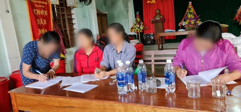 Vụ cán bộ thôn thu tiền Thủy Tiên phát cho người dân: Trả lại 69 suất, thừa nhận còn 5 nguồn thu khác 2
