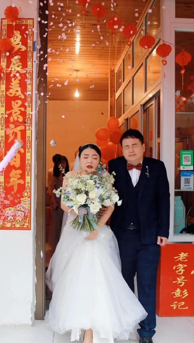Thuê đúng tình cũ chụp ảnh cho ngày cưới, cô dâu chú rể nhận về bộ ảnh 'hết hồn' 0