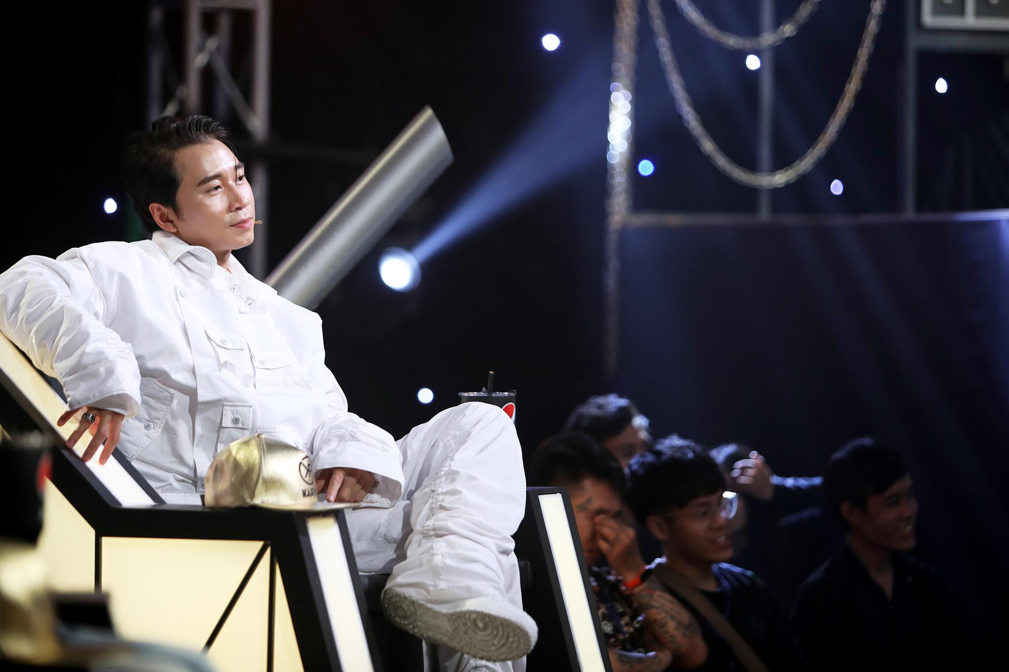 Karik giữ vai trò HLV trong Rap Việt.