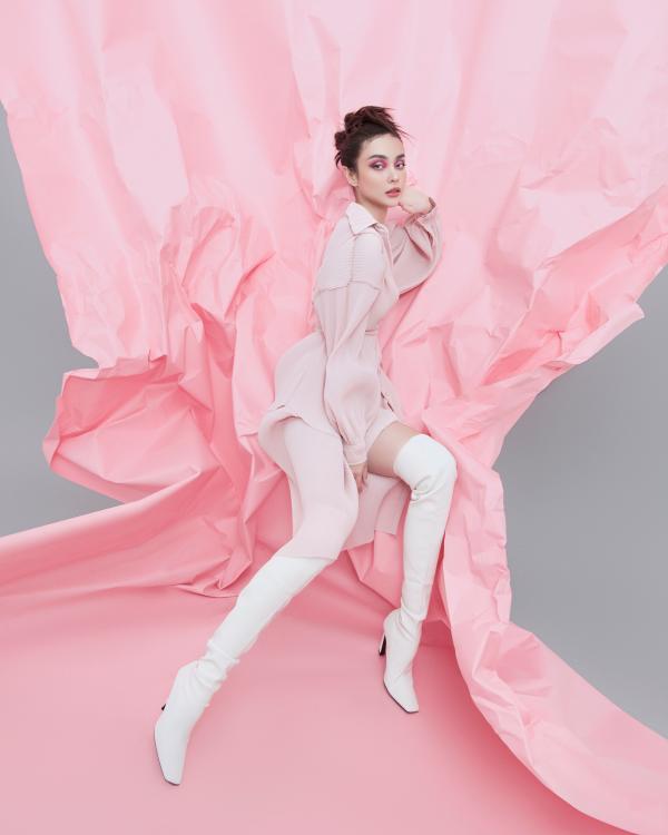 MLee chiêu đãi netizen bằng bộ ảnh thời trang đẳng cấp, không hở vẫn nóng 100 độ 6