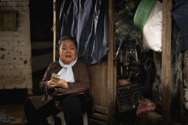 'Chuyện Xóm Tui' của Thu Trang - Tiến Luật gây sốt, vào thẳng lên Top 2 Trending 0